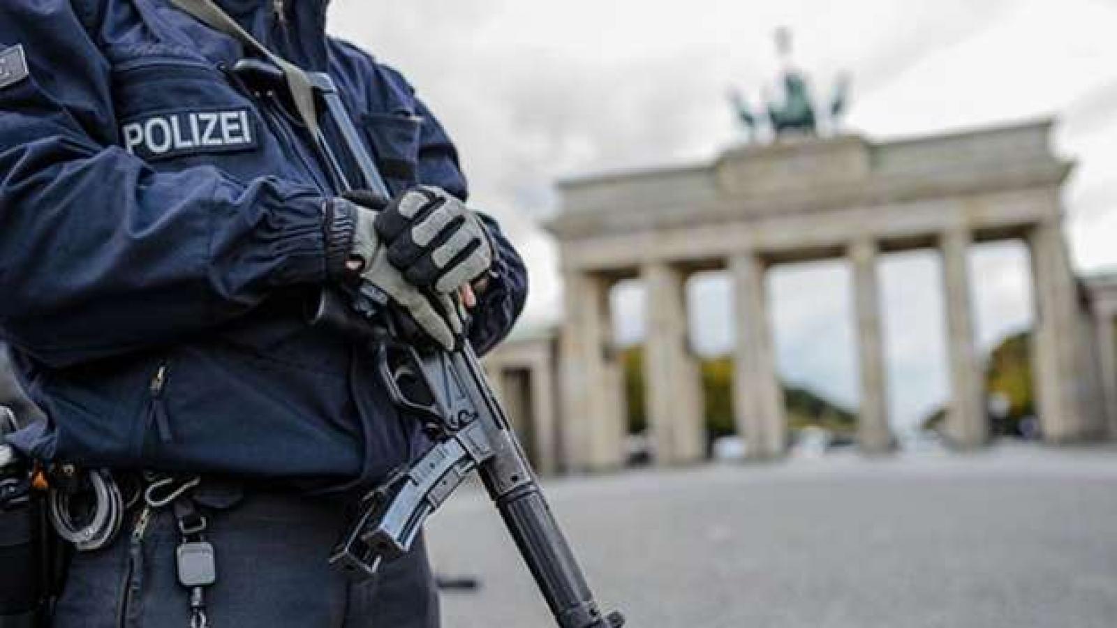 Almanya'da 37 noktada kara para aklama operasyonu: 8 gözaltı