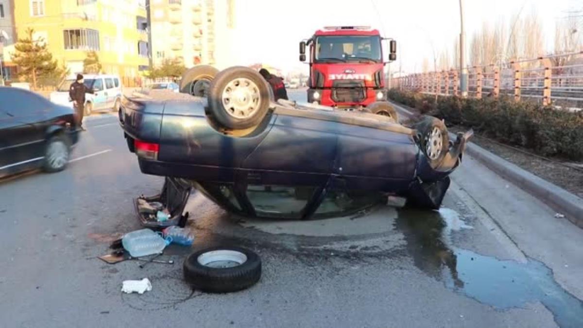 Ağaca çarpıp devrilen otomobildeki 2 kişi yaralandı