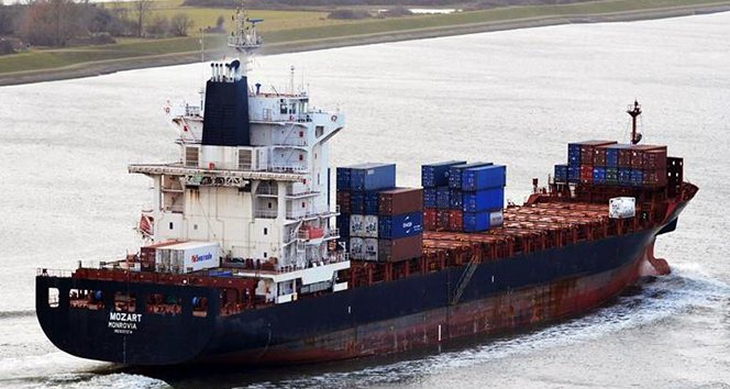Korsanlar tarafından kaçırılan gemideki Türk vatandaşları Türkiye'ye geliyor