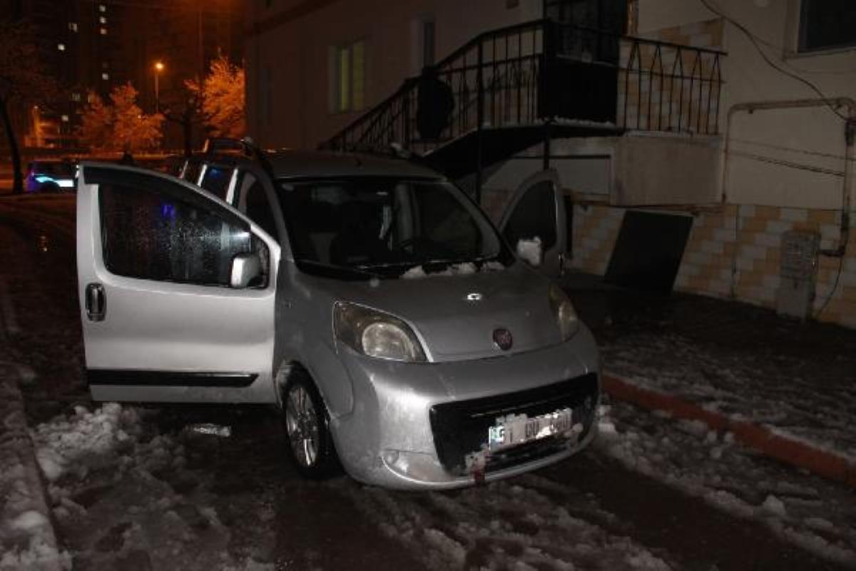 Son dakika haberi   Kayseri de polisin  dur  ihtarına uymayan 3 şüpheli, aracı terk edip, yaya olarak kaçtı