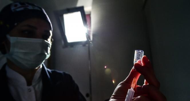 Türkiye'de son 24 saatte 6.871 koronavirüs vakası tespit edildi