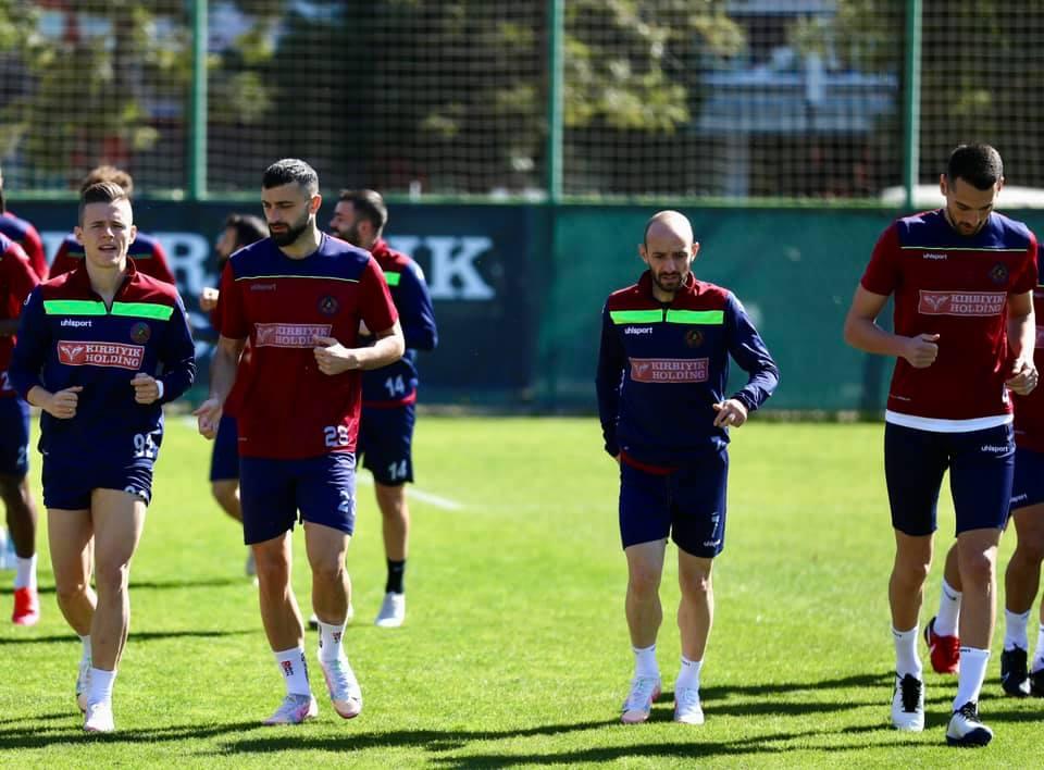 Alanyaspor yeniden Galatasaray'a karşı hazırlıklarına başladı