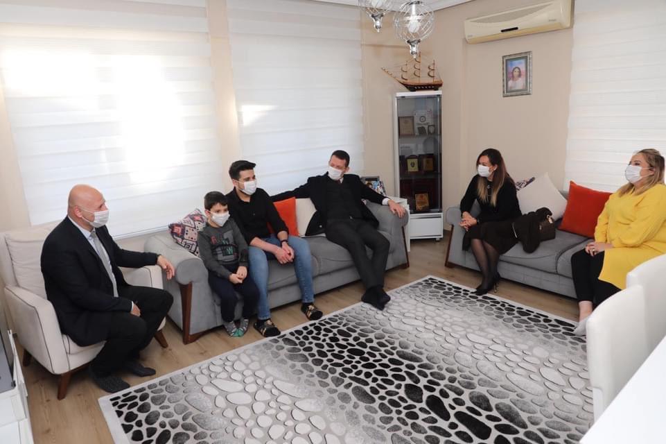 Kaymakam Ürkmezer Şehitlerimizin ailelerini ziyaret etti