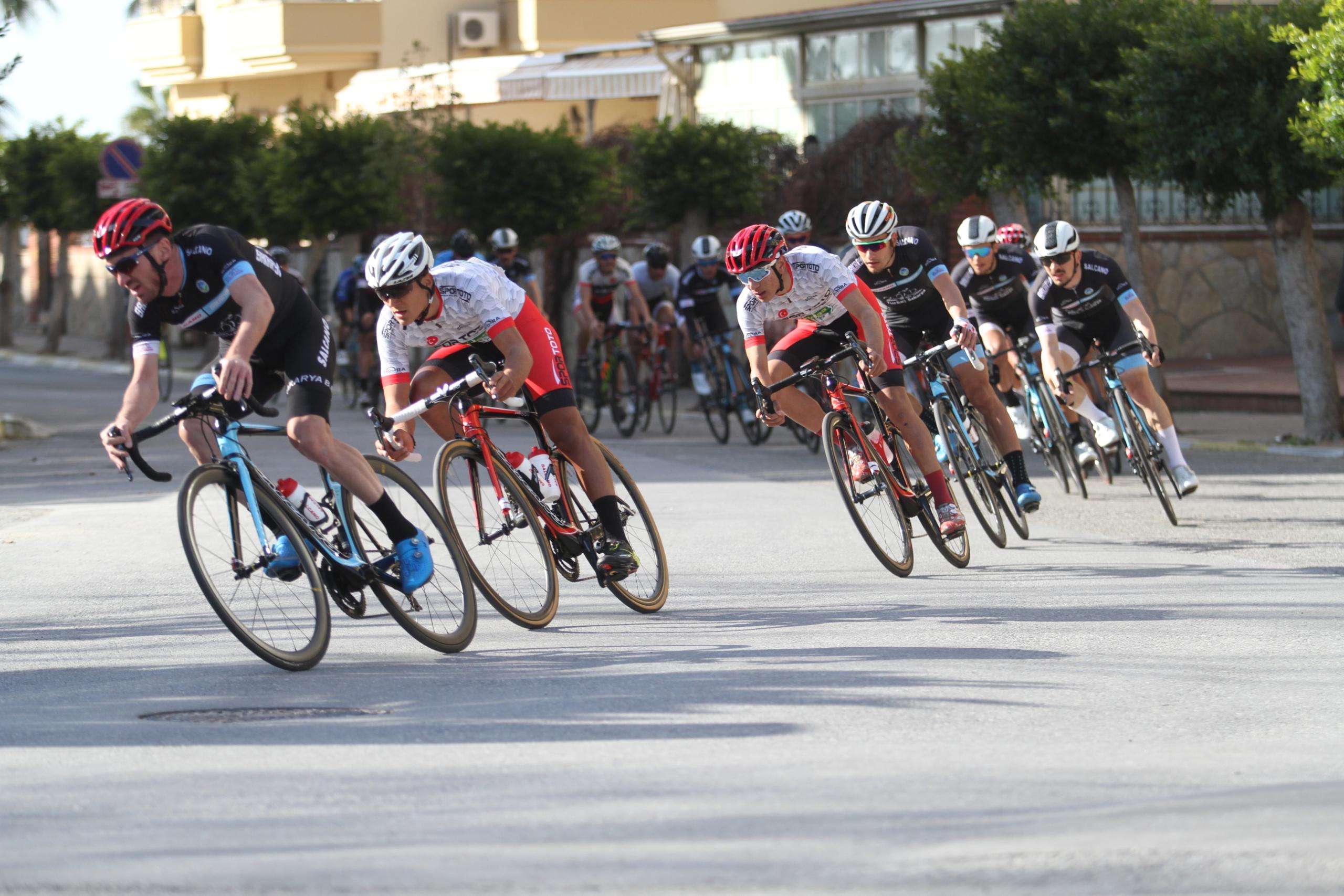 Grand Prix Yol Bisiklet Yarışları'nın Alanya etabı başladı