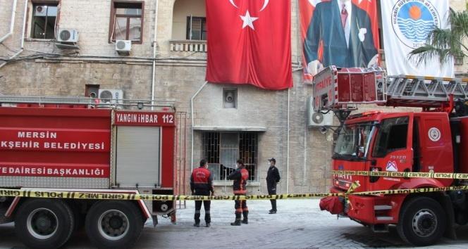 Belediyedeki patlamada molotofkokteyli şüphesi