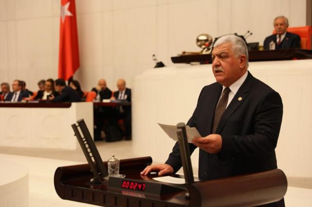 CHP'li Milletvekili Bakan Koca'ya kongrelerdeki kalabalığı sordu