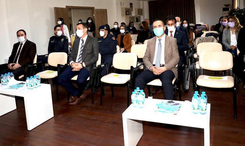 Alanya'da kadına yönelik şiddetle mücadele toplantısı yapıldı.
