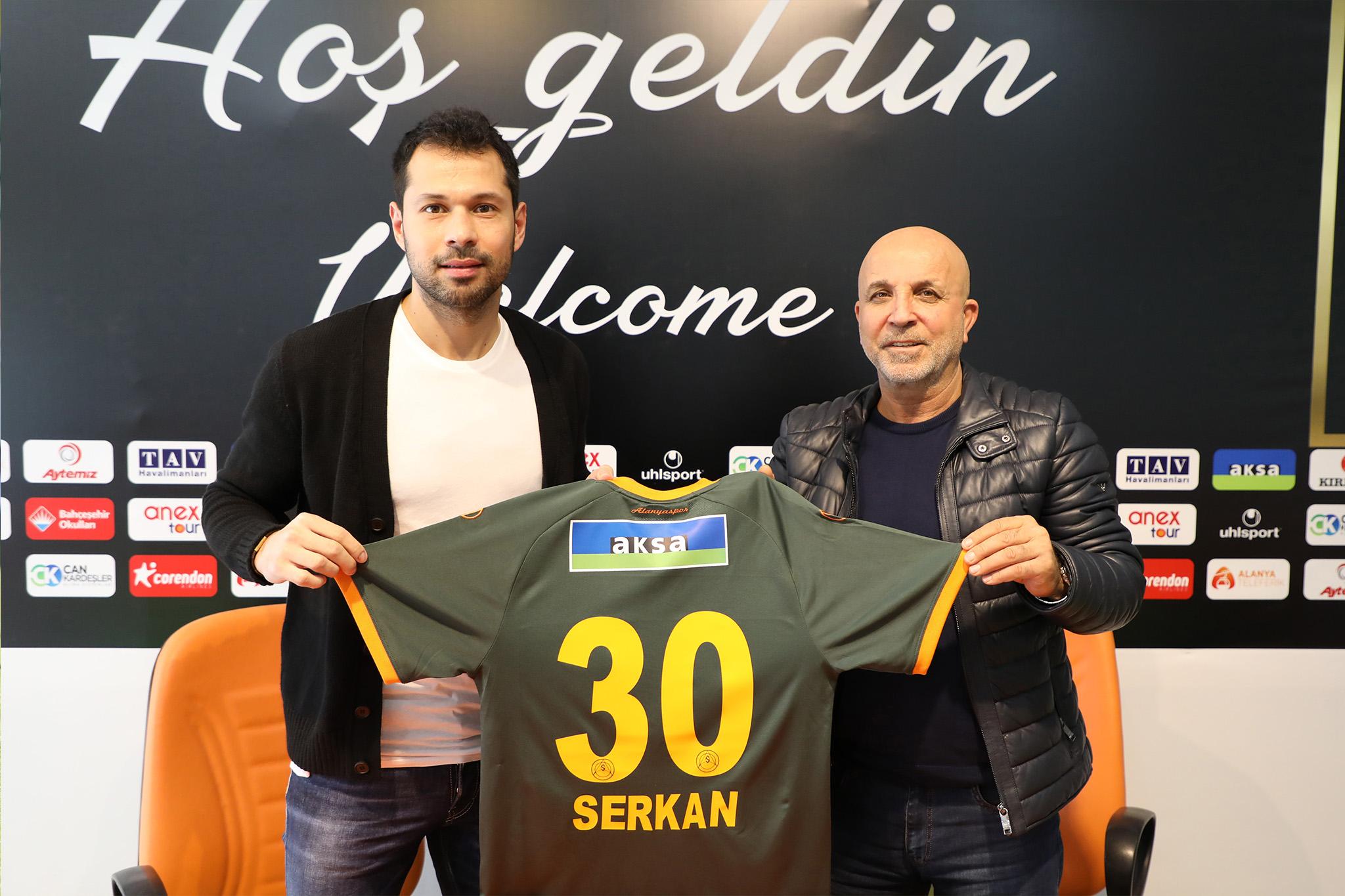 Serkan Kırıntılı Alanyaspor ile 1,5 yıllık sözleşme imzaladı