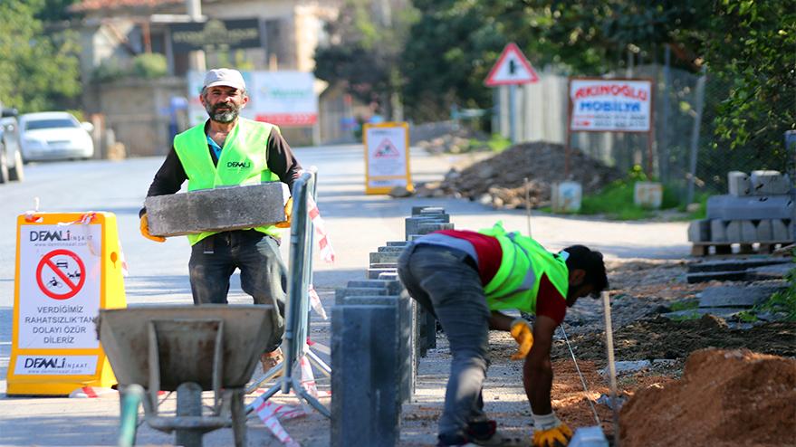 Alanya Belediyesi Oba'da kaldırım çalışmalarına başladı