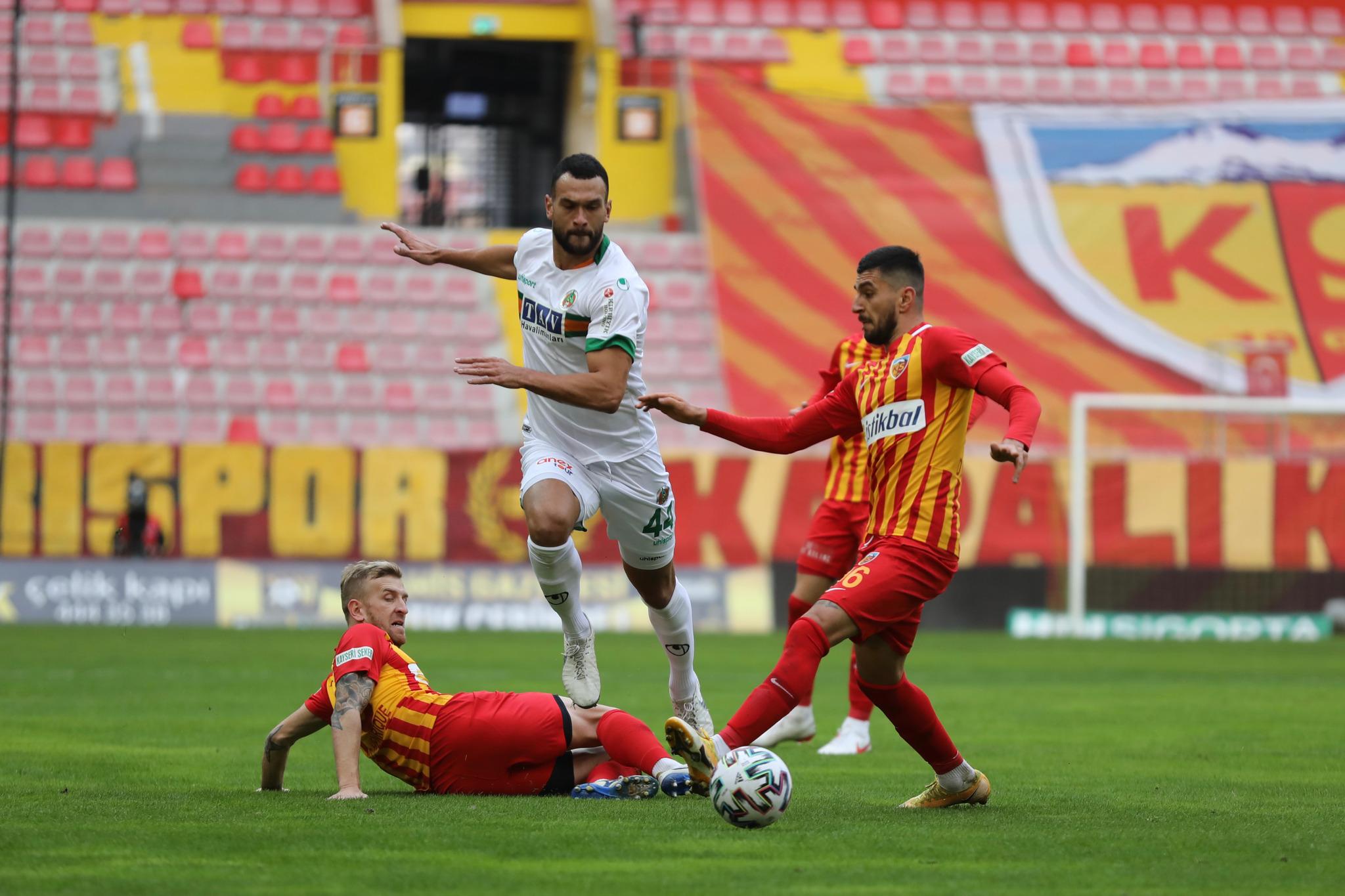 Alanyaspor Kayseri'den 1 puanla döndü