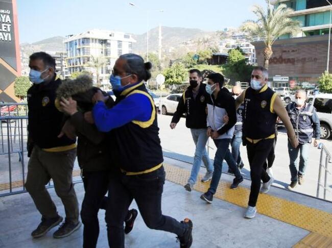 Alanya'da polis fuhuş operasyonu gerçekleştirdi