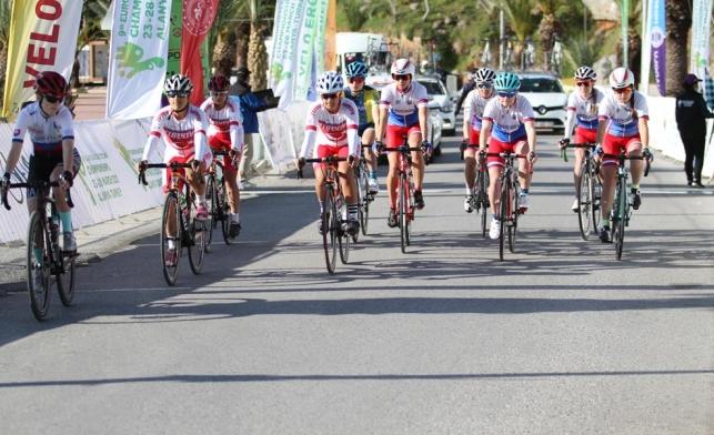 Alanya'da İşitme Engelliler Avrupa Yol Bisikleti Şampiyonası sona erdi