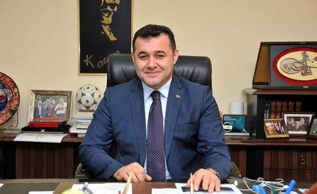 Başkan Yücel, Kongre'de yeniden genel başkan seçilen Recep Tayyip Erdoğan'ı tebrik etti