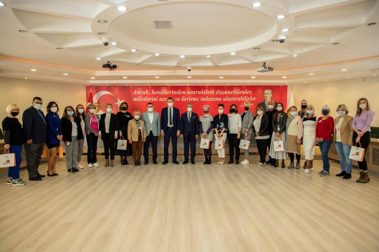 Başkan Yücel ve Kaymakam Ürkmezer, Yabancılar Meclisi toplantısına katıldı