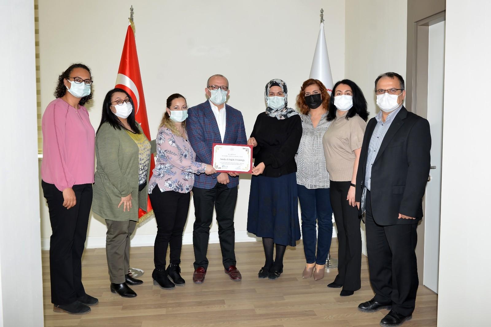 Antalya'ya serviks kanseri taramasında birincilik ödülü verildi