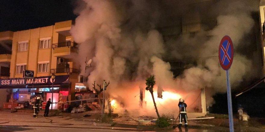 Gazipaşa'da eczanede çıkan yangın mahalle sakinlerine korku dolu anlar yaşattı