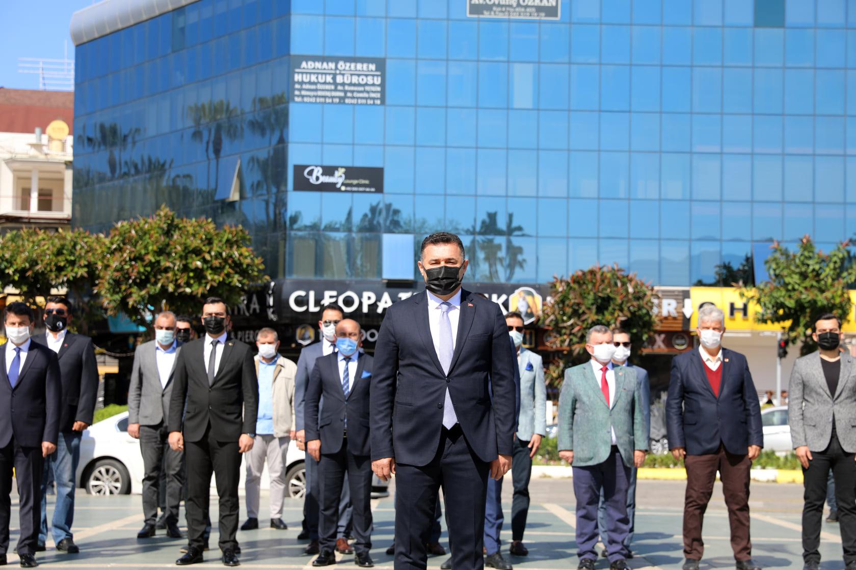 Alanya'da 23 Nisan coşkusu kısıtlı katılım ile kutlandı