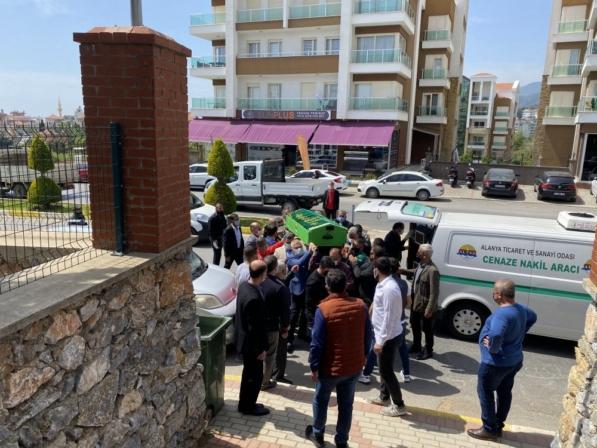 Necati Şatana'nın oğlu Yiğit son yolculuğuna uğurlandı