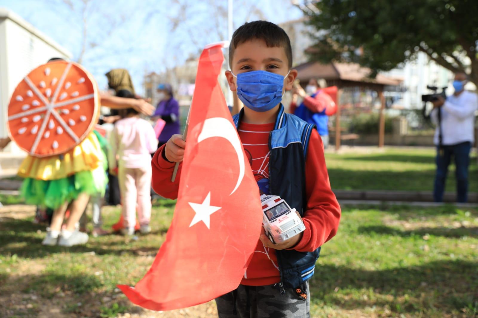 Antalya Büyükşehir Belediyesi 23 Nisan'a özel mobil konser düzenleyecek