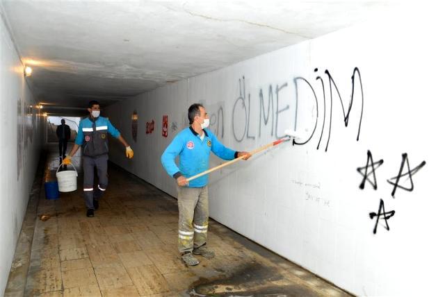 Alanya Belediyesi Temizlik İşleri Müdürlüğü sezon öncesi alt geçitlerin bakım ve onarımını yapıyor