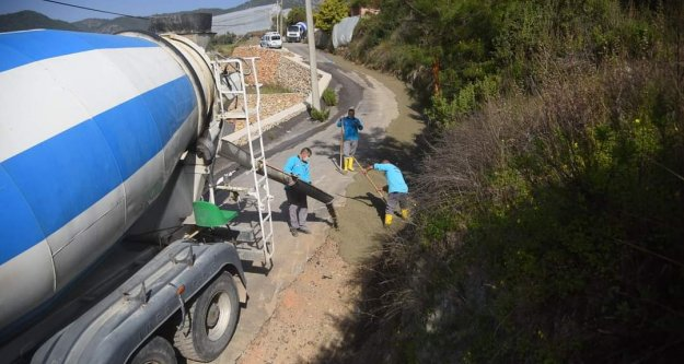 Alanya Belediyesi'nden beton yol