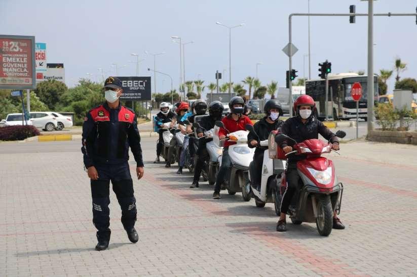 Alanya'da kuryelere ve motosiklet sürücülerine eğitim verildi