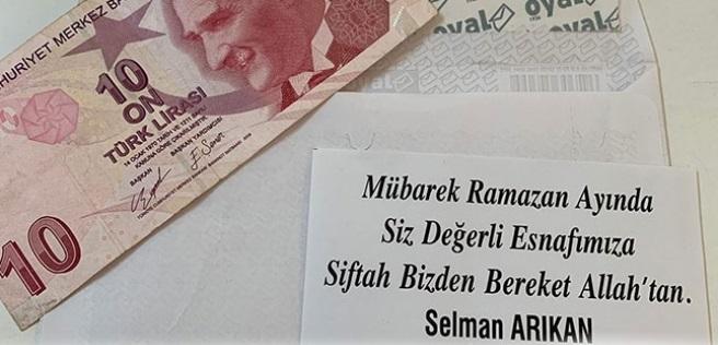 Alanyalı esnaflar Selman Arıkan'ın dükkanlarına bıraktığı'' siftah zarfları'' ile duygu dolu anlar yaşadı