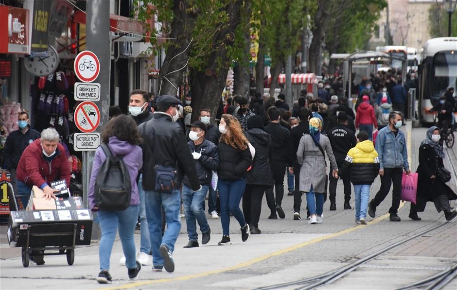 Tüm yurtta olduğu gibi Alanya'da da 17 günlük yasaklar başladı