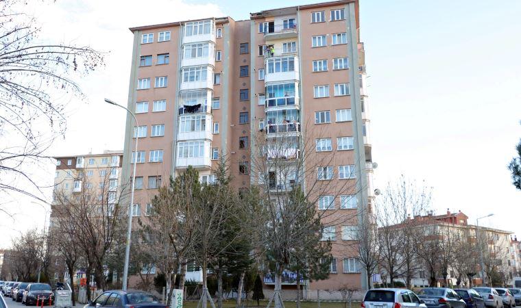 Alanya'da bir apartman Covid-19 tedbirleri kapsamında karantinaya alındı