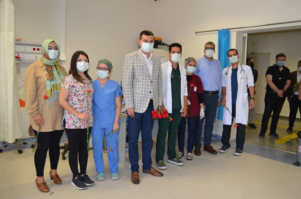Mhp Alanya İlçe Başkanı Türkdoğan sağlıkçıları ziyaret ederek bayramlaştı