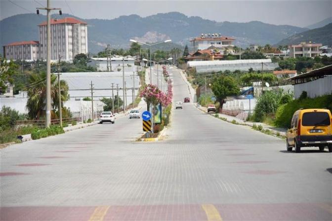 Alanya Belediyesi Konaklı'da cadde ve kaldırımları yeniliyor