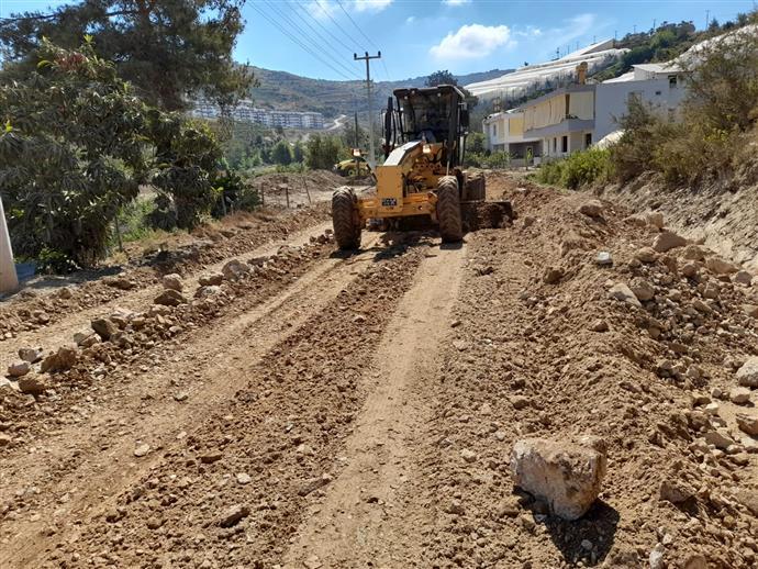 Alanya Belediyesi, Seki ve İshaklı yolunda asfalt çalışmalarına başladı