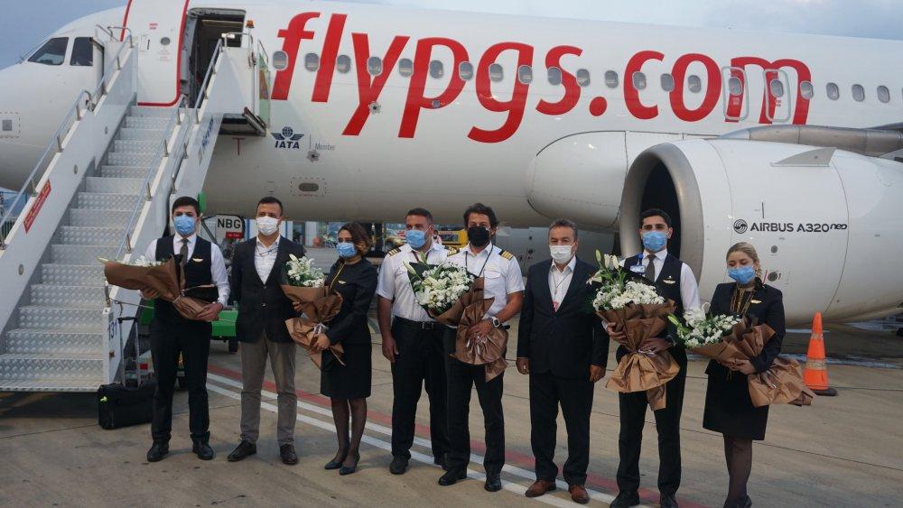 Başkan Yücel, Pegasus'un Kiev'den gelen ilk uçuşunu karşıladı