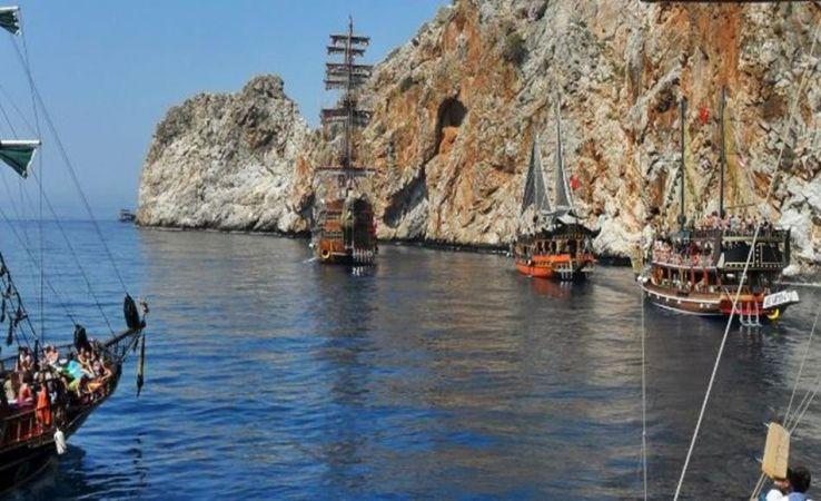 Alanya'da tekne turları başladı