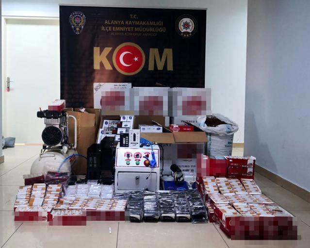 Alanya'da polisin düzenlediği operasyonda 130 bin adet makaron ele geçirildi