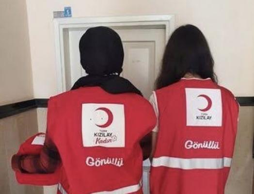 Alanya Kızılay Şubesi 2 yıldır devam ettirdiği 'Sevgi Bohçası Projesi' ile hizmette sınır tanımıyor
