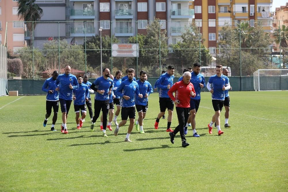 Alanyapsor BB Erzurumspor maçı hazırlıklarına başladı