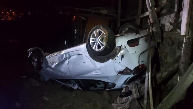 Antalya'da yoldan çıkan otomobil takla attı: 1 ölü 2 yaralı