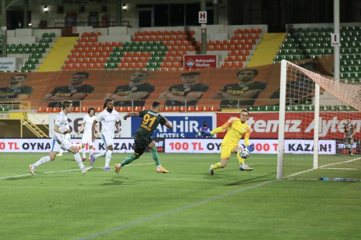 Alanyaspor kendi sahasında Erzurumspor'a mağlup oldu