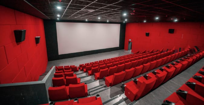Sinema salonlarının açılması 1 Temmuz'a ertelendi