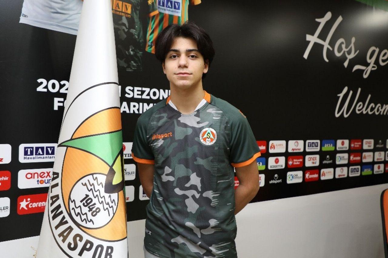 Alanyaspor'lu genç yıldız milli takım kampına davet edildi