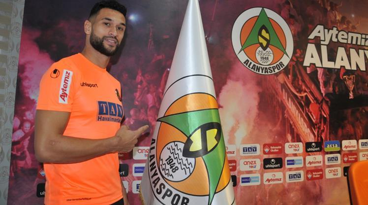 Caulker'a ilk resmi teklif Beşiktaş'tan geldi