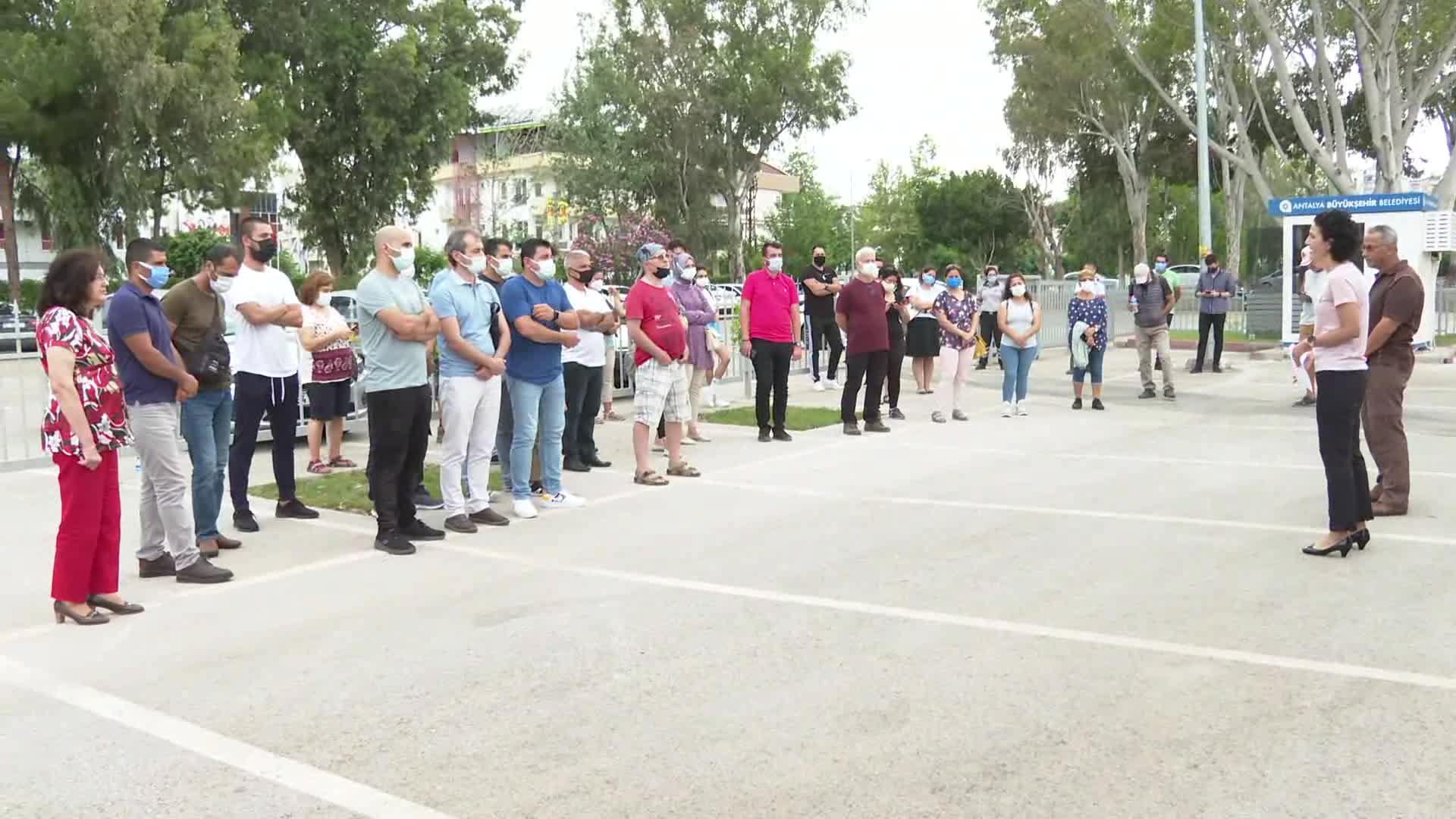 Antalya Büyükşehir Belediyesi, Doğa yürüyüşü eğitimi kapsamında insanlara neler yapabileceklerini anlattı