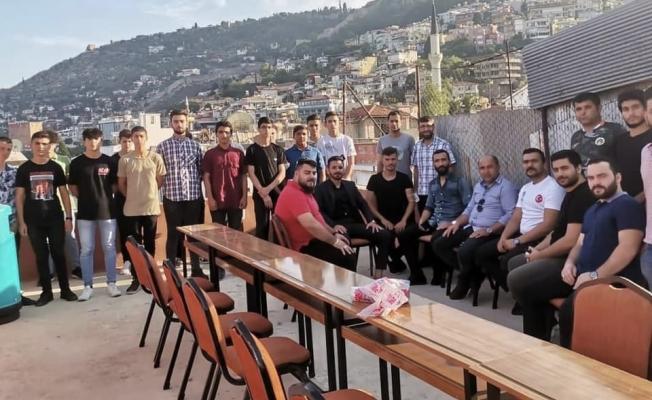 Alanya Ülkü Ocakları Başkanı Uysal, ülkücü gençlerle bir araya geldi