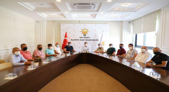 Muhtarlar Ak Parti İlçe Başkanı Mustafa Toklu'ya taleplerini iletti