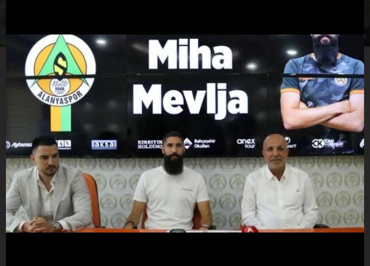Alanyaspor Miha Mevlja'yı kadrosuna kattığını açıkladı