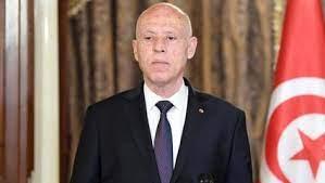 Tunus Cumhurbaşkanı, Başbakanı görevden alarak meclisin tüm yetkilerini elinde topladı