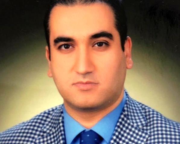 Mardin Devlet Hastanesi'nde görev yapan 32 yaşındaki uzman doktor Mehmet Ragıp Ekmen evinde ölü bulundu