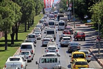 Antalya nüfusta 5. araç sayısında 4. Sırada; Türkiye'de Ağustos ayında 95 bin 896 adet taşıtın trafiğe kaydı yapıldı