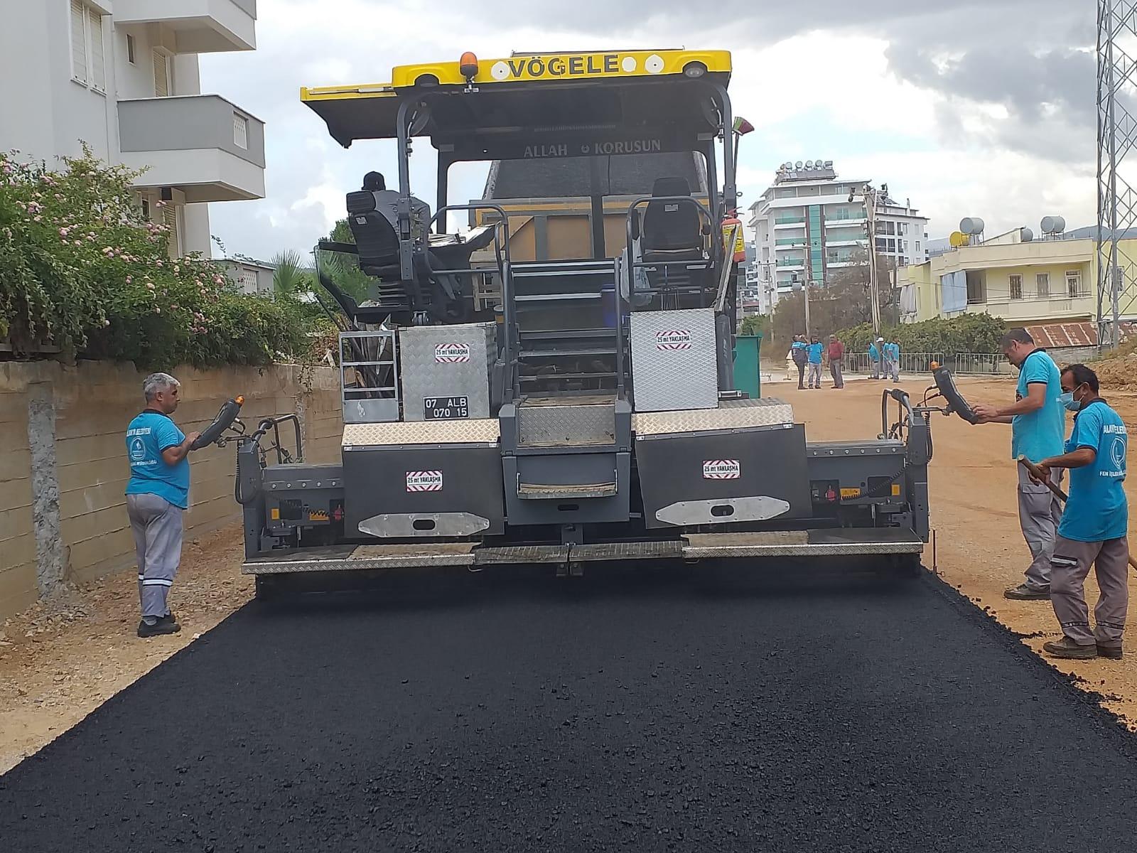 Alanya Belediyesi'nin asfalt çalışmaları hız kesmeden devam ediyor